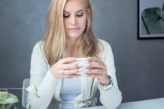 nohti-plavolaska-kava